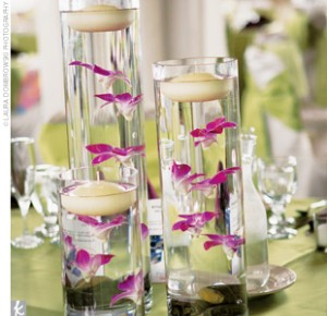 Decorations and centerpieces for a winter wedding decorations for winter wedding decorations can be traditional or contemporary chic depending on the bride and grooms preferences traditional winter wedding arrangements junglespirit Image collections